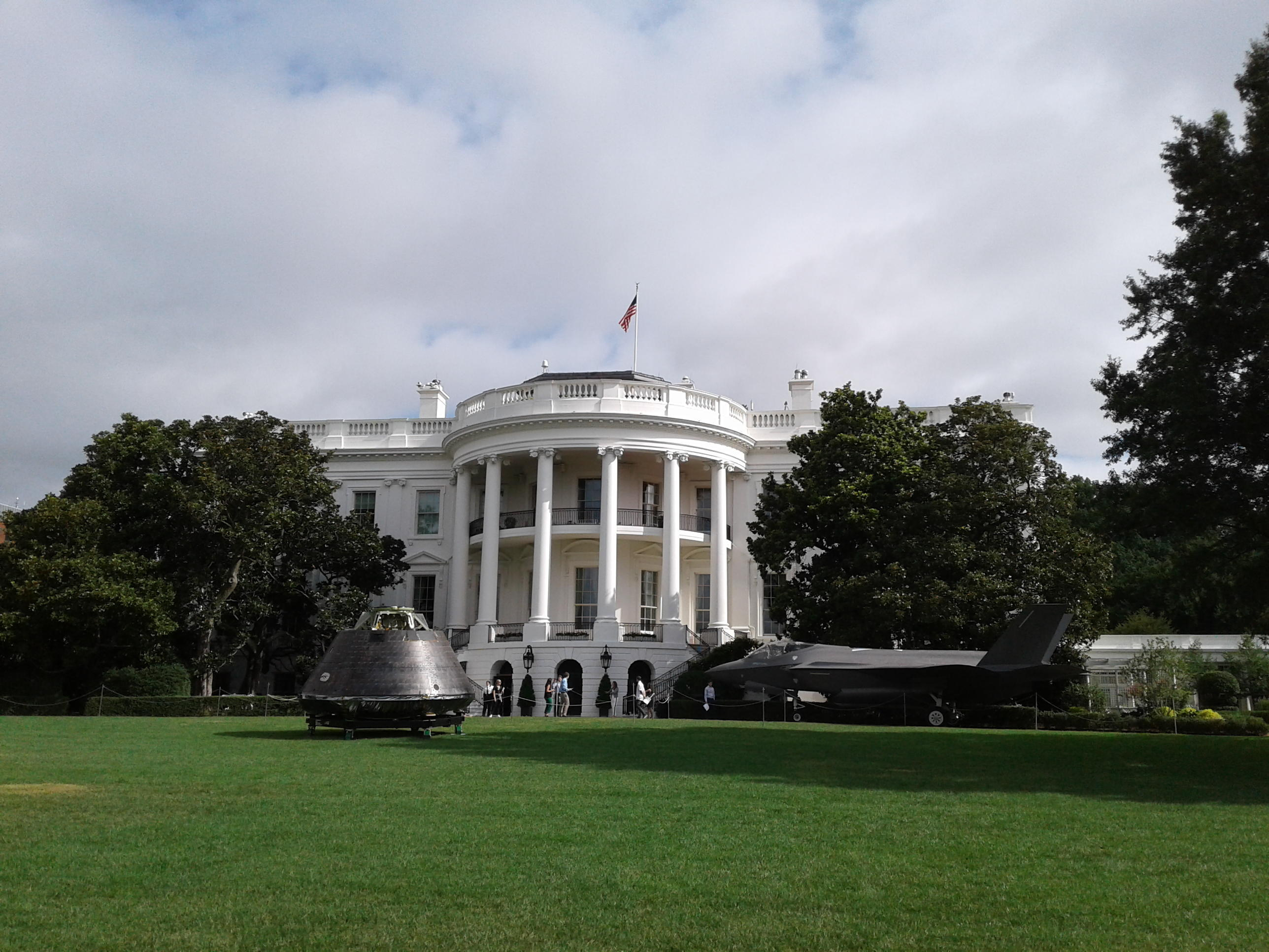 ARI Logistics Delivers to the White House Lawn